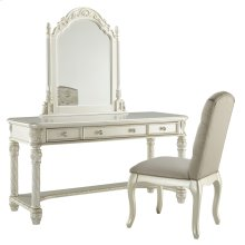 Cassimore - Pearl Silver 3 Piece Bedroom Set