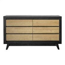 Dina Dresser