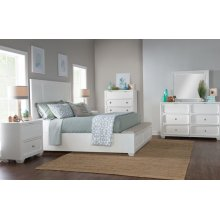 Willow Creek Panel Bed w/Storage Footboard, CA King 6/0