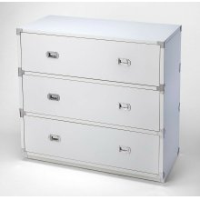 A versatile, functional piece suited for any stage of life, this modern dresser looks right at home in the nursery, child's, teen's or adult's room. Crafted from rubberwood and manufactured wood, it demonstrates a clean-lined silhouette that fits righ