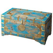 The blue and gold of the Neela storage trunk will really pop in your room. The brass inlays add crafty design to this beautiful piece, and the mango wood creates a study storage compartment.