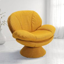 Pub Leisure Accent Chair in Straw Fabric