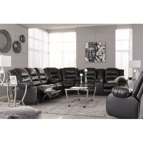 Vacherie - Black 3 Piece Sectional
