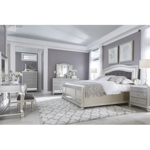 Coralayne - Silver 3 Piece Bedroom Set