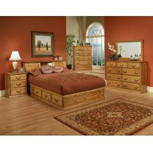 T456 Traditional Bedroom
