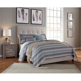 Dolante III Queen Upholstered Bed