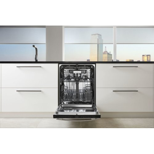 """Euro-Style 24"""" Built-In TriFecta Dishwasher, 38dBA Stainless Steel"""