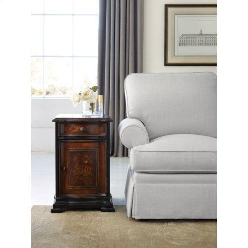 Living Room Grandover Chairide Chest