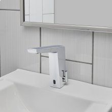 Paradigm Selectronic Faucet with Above Deck Mixing - DC Powered - 0.35 GPM  American Standard - Polished Chrome